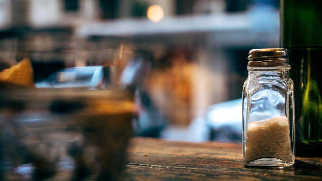 Eine Methode wie Du Cellulite wegbekommen kannst sind Salze