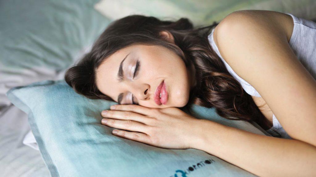 Regel vegan Gewicht verlieren: Du brauchst ausreichend Schlaf