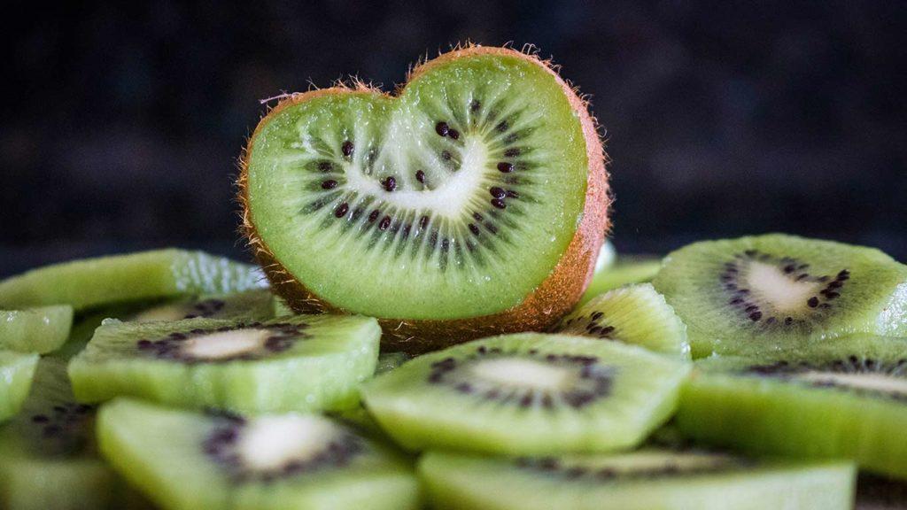 Kiwi im Supermarkt vegan einkaufen