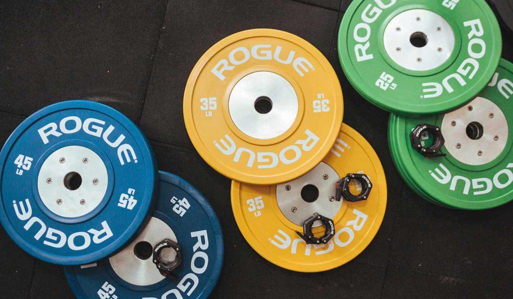 Nehme angemessenes Gewicht wenn du vegan abnehmen und Muskeln aufbauen willst