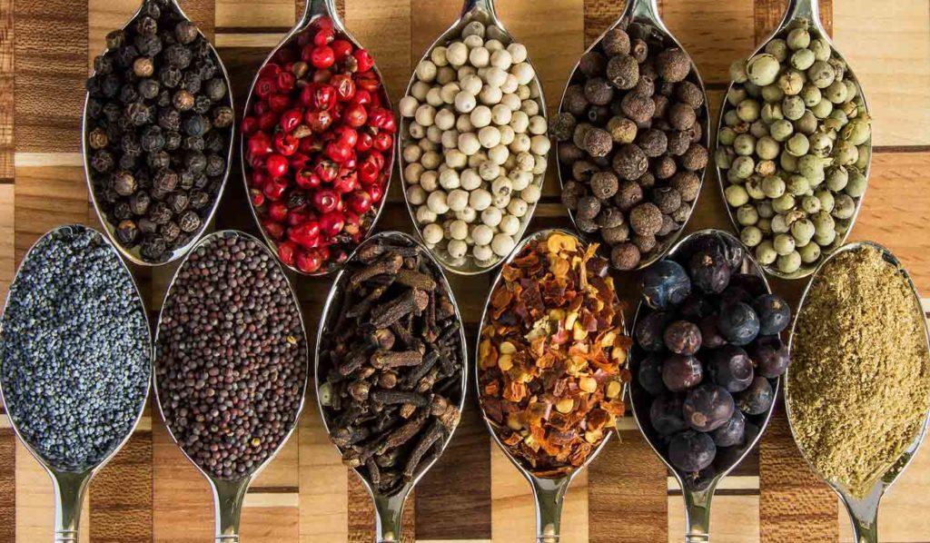 Es gibt 5 verschiedene Gewürzgrundlagen beim veganen Kochen