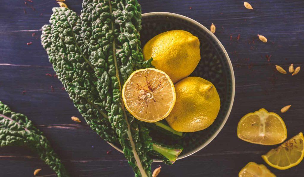 Grünkohlchips kannst Du einfach und lecker zubereiten