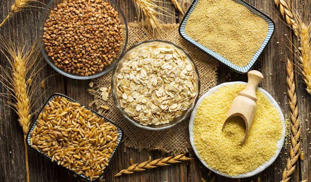 Vollkorn ist eine gesunde Komponente beim Zubereiten von veganen Mahlzeiten