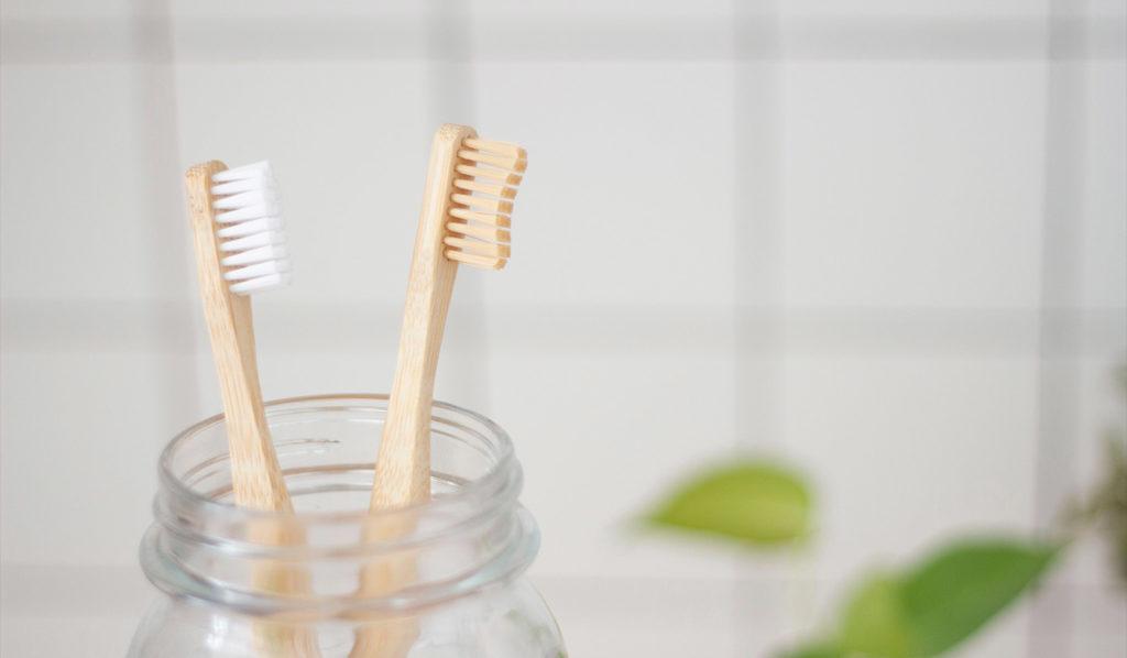 Mit Vitamin B12 angereicherter Zahnpasta kannst Du einen veganen Nährstoffmangel umgehen