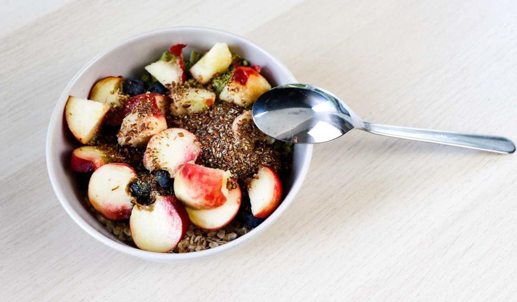 Meine Frühstücksbowl beim vegan Muskelaufbau