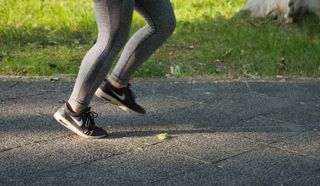 Bewegung hilft, auch wenn Du ohne Sport abnehmen willst
