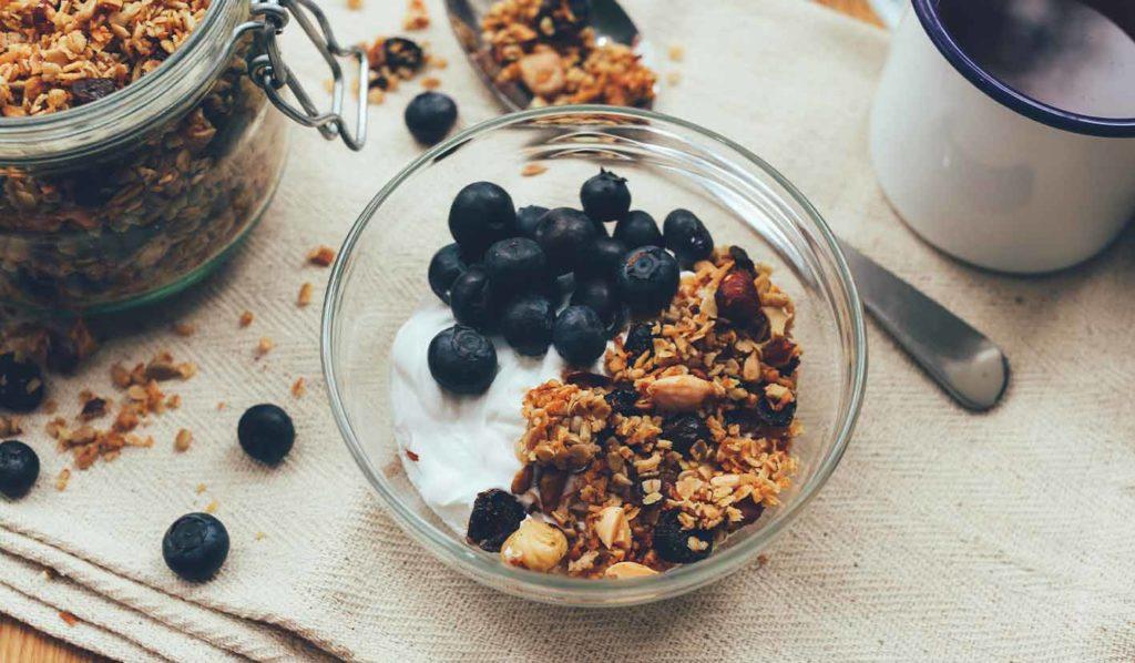 Granola ist sehr kalorienreich und nicht geeignet um vegan gesund abzunehmen