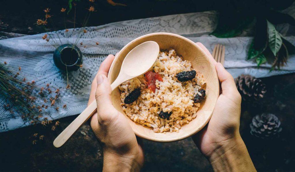 Reis enthält viele Kalorien und kann Dich beim vegan Gewicht verlieren hindern