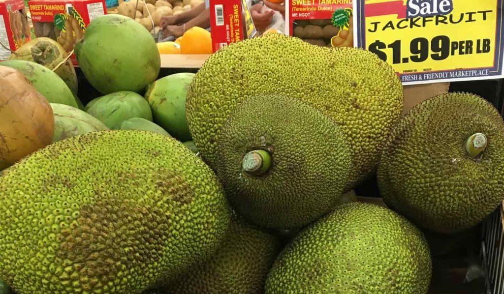 Beim Einkaufen der veganen und glutenfreien Jackfrucht gilt es auf 3 verschiedene Dinge zu achten