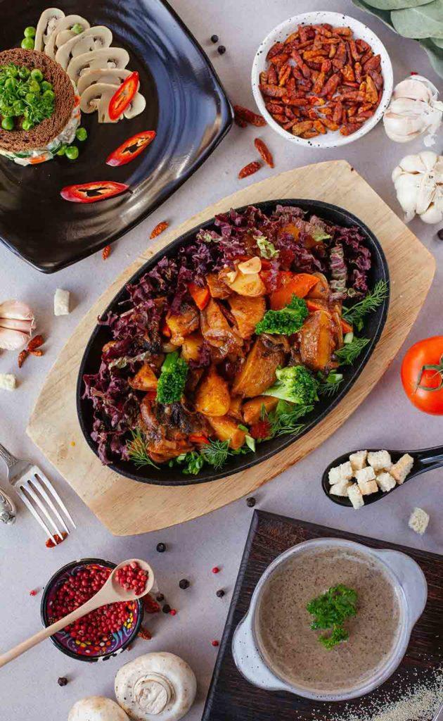 Was essen Veganer? Tempeh ist ein aus Soja hergestelltes Lebensmittel und wird u.a. als Fleischersatz verwendet